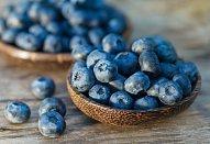 Jáhlové knedlíky s ovocnou omáčkou