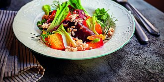 Salát s pečenou řepou, tamarindem a wasabi