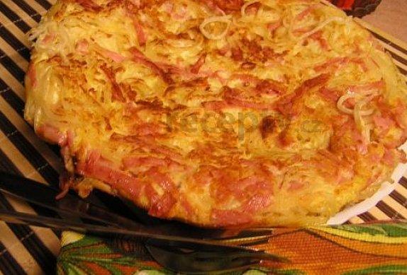 Smažené špagety se sýrem