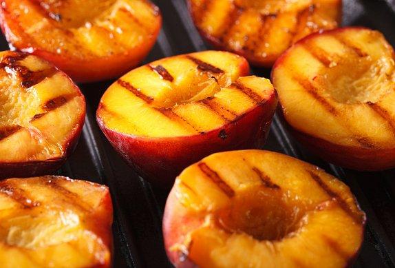 Ovocný špíz z grilu