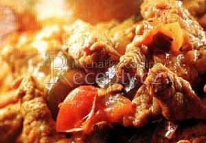 Vepřové maso s cuketou a rajčaty