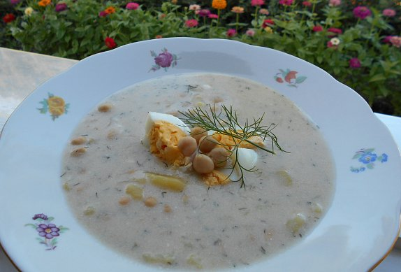 Bramborovo-cizrnová polévka s koprem photo-0
