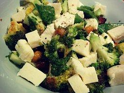Brokolice s křupavou cizrnou