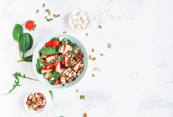 Rukolový salát s jahodami