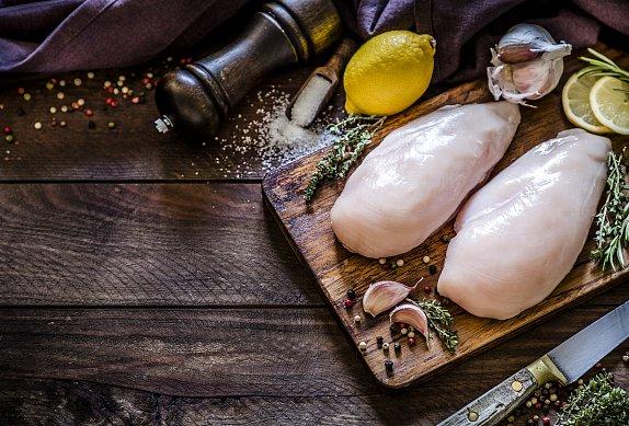 Kuřecí prsa s mozzarellou a broskví