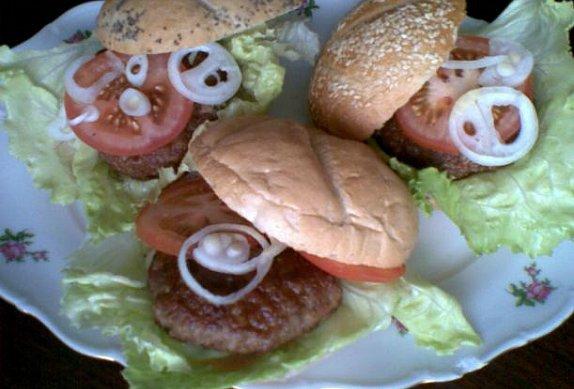 Zahradní hamburgery - grilované