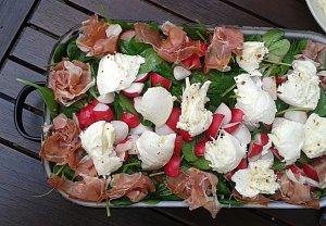 Špenátový salát s mozzarellou