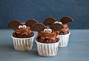 Halloweenské cupcakes ala netopýři
