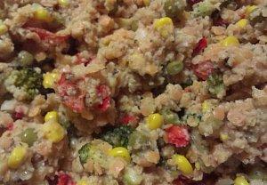 Kuskus se zeleninou a červenou čočkou