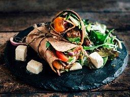 Tortilly s grilovanou zeleninou a kozím sýrem