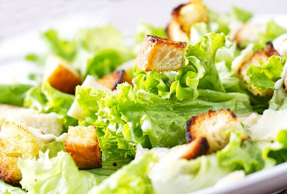 Caesar salát s krutony
