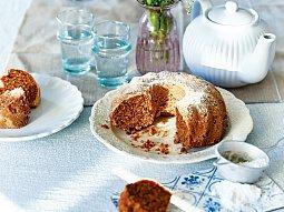 Ořechová bábovka s mrkví a pastinákem