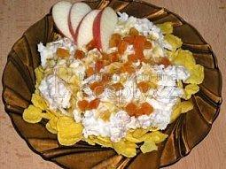 Zdravé műsli s jablky a jogurtem