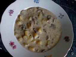 Bramborovo-žampionová polévka na dva způsoby