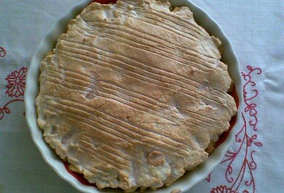 Teplý ovocný koláč - rohlíkový