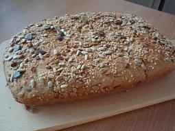 Domácí chléb pečený v troubě