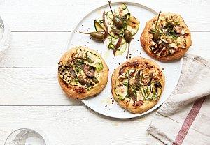 Mini pizzy s ančovičkami a cuketou