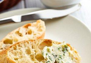 Bylinkové máslo s tymiánem a citronem