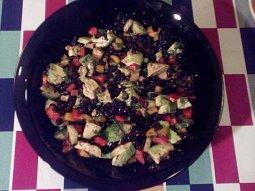 Salát z černých fazolí a avokáda