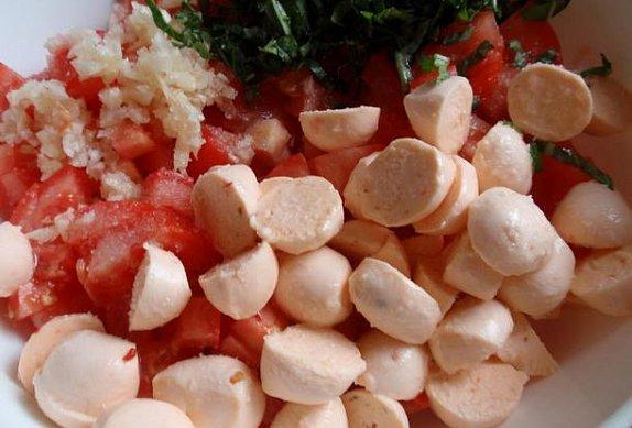 Rajský salát (nejen) s mozzarellou