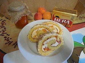 Piškotová roláda s čerstvým ovocem