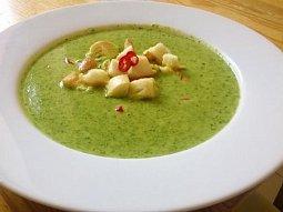 Krémová špenátová polévka se zázvorem