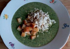 Špenátovo-smetanová polévka s Nivou