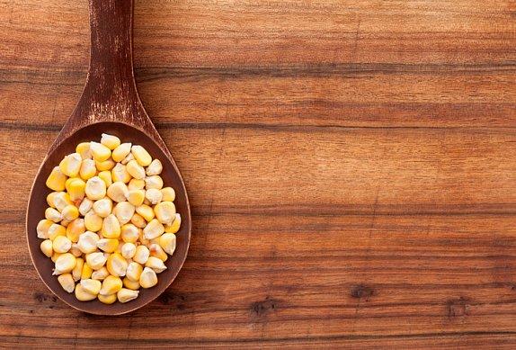 Chlebíčky s avokádem a kukuřicí