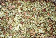 Těstoviny se špenátem a uzeným masem