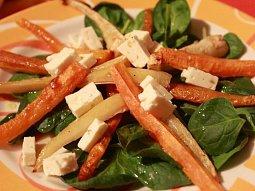 Teplý salát z kořenové zeleniny