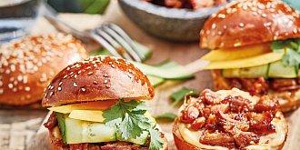 Burgery s trhaným vepřovým masem