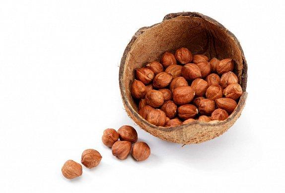 Jelení pečínka s ořechy a salát z quinoy