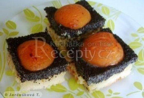 Makový koláč s meruňkami photo-0