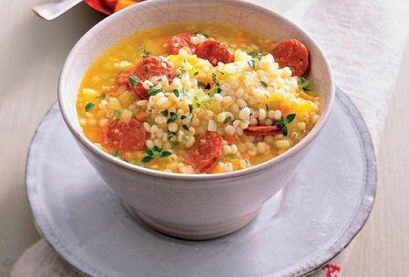 Kroupová polévka s paprikovou klobásou photo-0