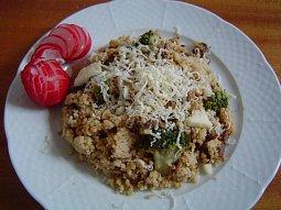 Kuskus s hlívou a brokolicí