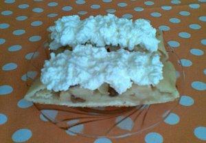 Šlehačkový jablkový závin