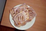 Šátečky z listového těsta s karamelizovanými jablky
