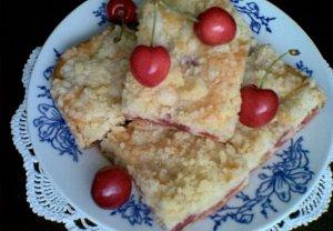 """""""Třešně v těstě"""" - vláčný koláč"""
