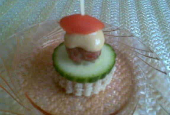 Jednohubky z (mini) karbanátků
