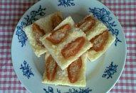 Rychlý ovocný koláč ze zakysané smetany