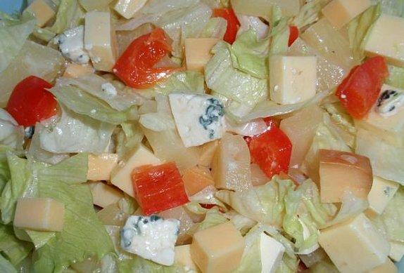 Ananasovo-sýrový salát