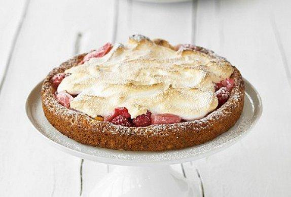 Rebarborový koláč se sněhem