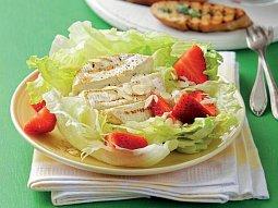 Salát s grilovaným sýrem