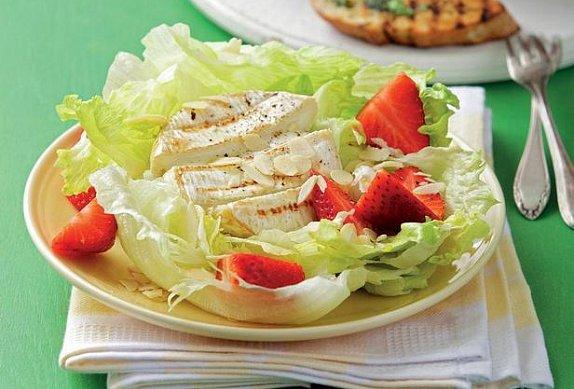 Salát s grilovaným sýrem photo-0