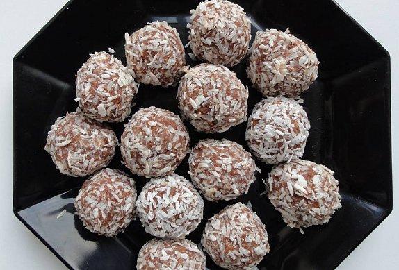 Kokosové kuličky - více kakaa