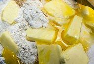 Suflé s piniovými oříšky