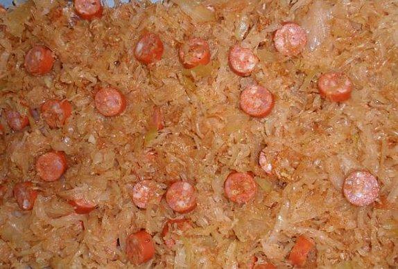 Pečené vepřové plátky v debrecínském zelí
