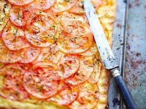 Rajčatový koláč s ostrou hořčicí