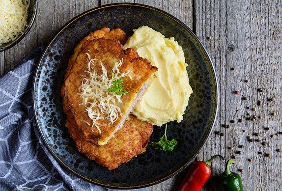 Holandský řízek - sekaný vepřový řízek se sýrem