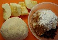 Jablečný závin s tvarohem z pomazánkového másla